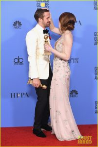 emma-stone-ryan-gosling-golden-globes-winners-room-01