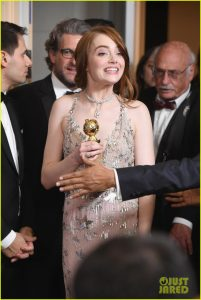 emma-stone-ryan-gosling-golden-globes-winners-room-02