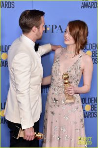 emma-stone-ryan-gosling-golden-globes-winners-room-16