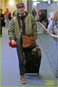 grant-gustin-gets-back-to-work-after-spending-holidays-in-nyc-03