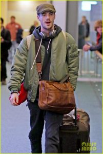 grant-gustin-gets-back-to-work-after-spending-holidays-in-nyc-07