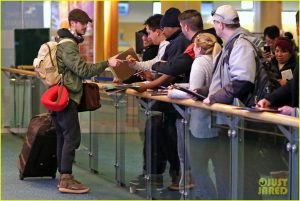 grant-gustin-gets-back-to-work-after-spending-holidays-in-nyc-08