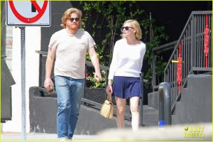 kirsten-dunst-jesse-plemons-make-out-04