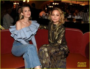 nicole-richie-sara-foster-buddy-up-at-svedka-vodkas-broken-resolutions-01