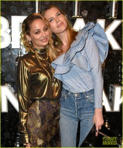 nicole-richie-sara-foster-buddy-up-at-svedka-vodkas-broken-resolutions-06